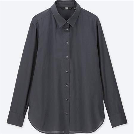 ユニクロのソフトコットンシャツ(長袖)のダークグレー