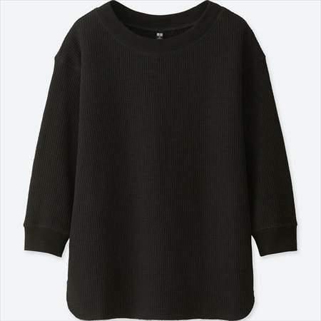 ユニクロのワッフルクルーネックT(7分袖)のブラック