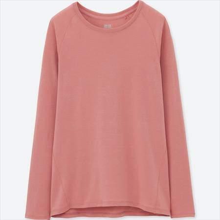 ユニクロのエアリズムクルーネックT(長袖)のピンク