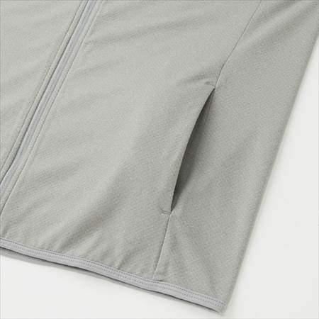 ユニクロのエアリズムUVカットメッシュパーカ(長袖)のサイドポケット部分のアップ