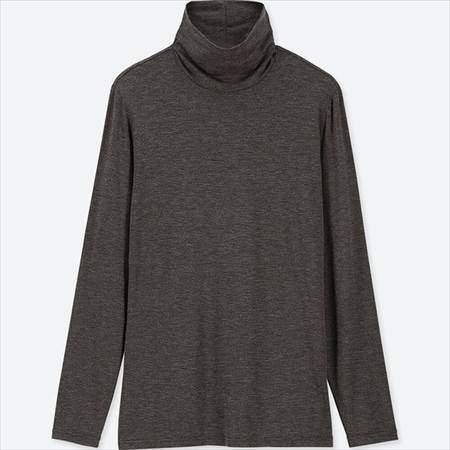 ユニクロのヒートテックタートルネックT(長袖)のグレー