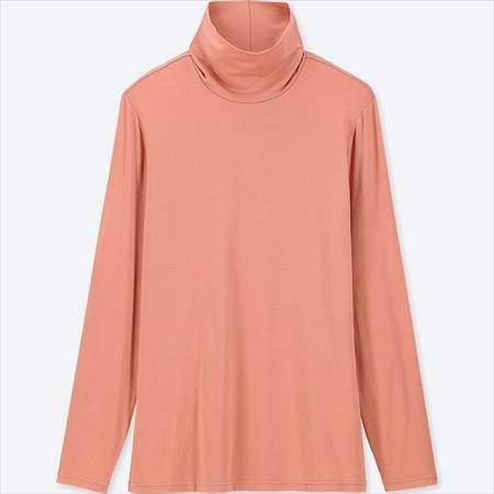 ユニクロのヒートテックタートルネックT(長袖)のピンク
