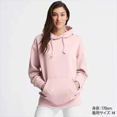 ユニクロのビッグスウェットプルパーカ(長袖)のピンク
