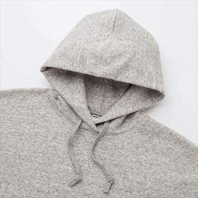 ユニクロのビッグスウェットプルパーカ(長袖)のフード