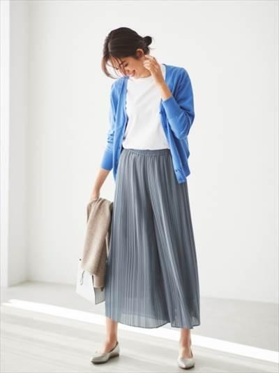 ユニクロのシフォンプリーツスカートパンツのコーディネート