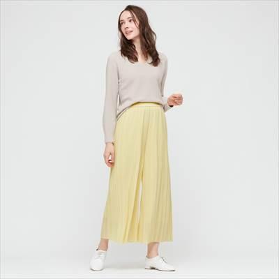 ユニクロのシフォンプリーツスカートパンツ